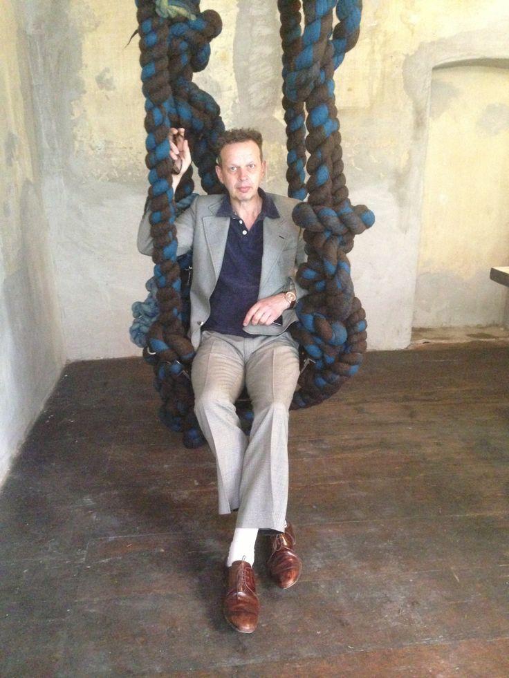 Tom Dixon on Dana Barnes' swing for BDDW          @Brandi Wolf Milano #salonedelmobile2014 #fuorisalone2014 #bddwfurniture #5vie