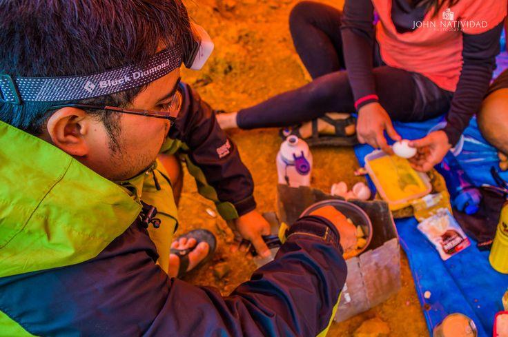 When in Mt. Balingkilat! The most important meal of the day! This is how you start your day in the Top of the Mountain!  @alpasmountaineering  @i.johnnatividad  #sinopinas #hikingadventures #bundokph #GetOutside #adventurephilippines #pinoymountaineer #moutainlife #outdoorlife #adventurephhikes #alpascore #alpasmountaineering #nikond3200 #nikonphotography #pilipinasdestination #NikonAsia #ijohnventures #gorillavagabond #mountainclimbers #itsmorefuninthephilippines