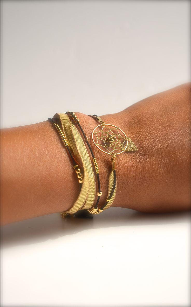 Bracelet 3 tours attrape rêve et triangle doré, cordon noir -Bijoux ENORA-