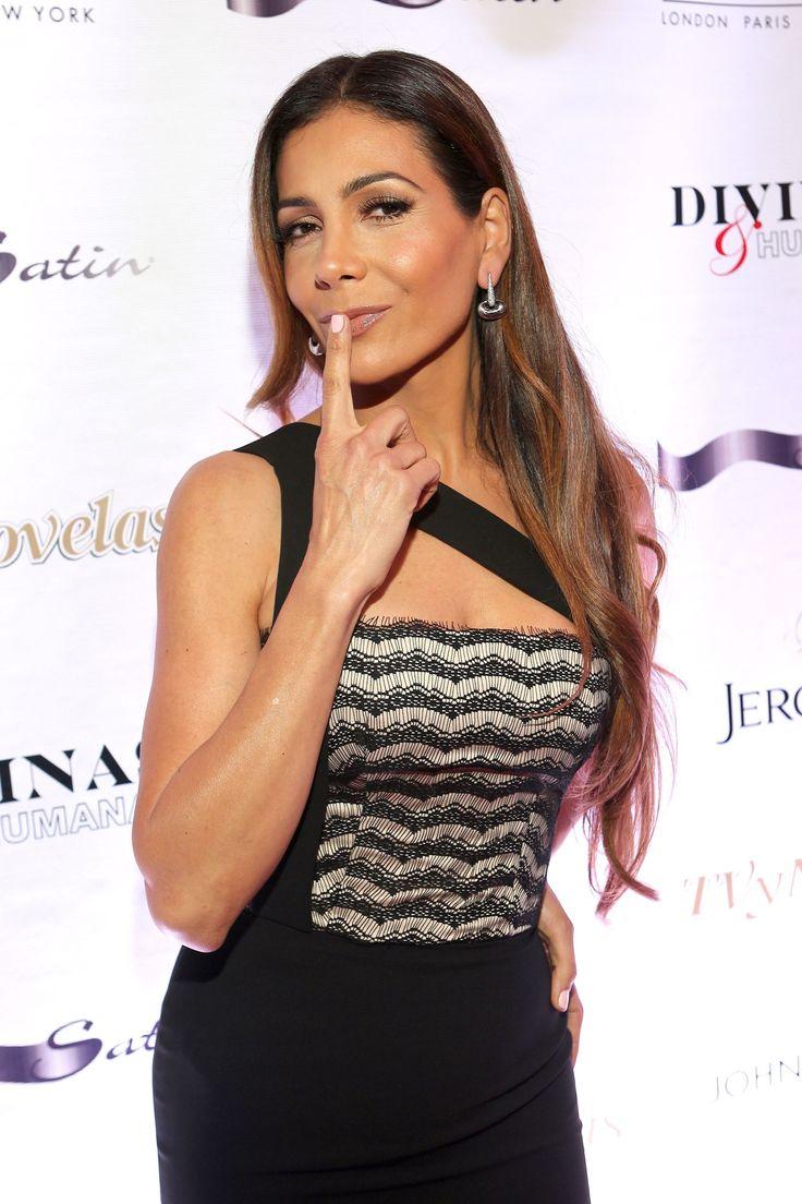 """Paty  Manterola Gala """"Divinas y Humanas"""" de la revista TvyNovelas en Miami"""