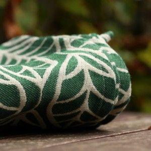 Solnce Laurus Green Gables  warp: 42% ecru Egyptian cottonweft: 34% pine green merino wool, 12% natural tussah silk, 12% natural hemp300 gr/m2