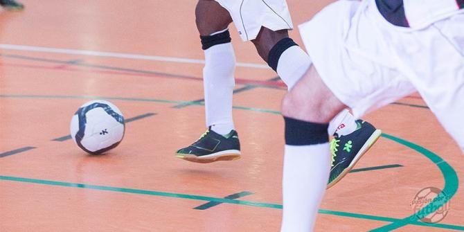 Cómo elegir tus zapatillas de Fútbol Sala - #futbol #decathlon http://blog.futbol.decathlon.es/305/como-elegir-tus-zapatillas-de-futbol-sala