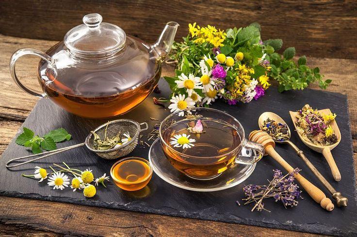 Какие #травы подойдут для хорошего сна? Для улучшения качества сна применяют комбинации целебных растений Чтобы приготовить чай из снотворной смеси возьмите по одной части пустырника и шишек хмеля по две части мяты травы тимьяна душицы. Залейте кипятком (один стакан на столовую ложку смеси). Напиток настаивают 3-4 часа и пьют по половине стакана на ночь.  #домвегана #магазинздоровогопитания #govegan #vegan #веганы #здоровье #травы #фрукты #вегетарианство #экопродукты #екатеринбург #зожекб…