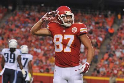 Travis Kelce practices on Monday, ankle injury not a fantasy concern - Yahoo Sports
