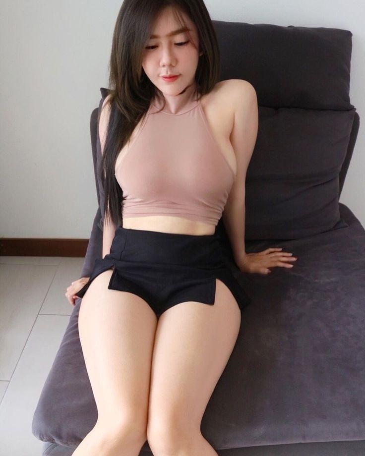 ปักพินในบอร์ด SEXY GIRL