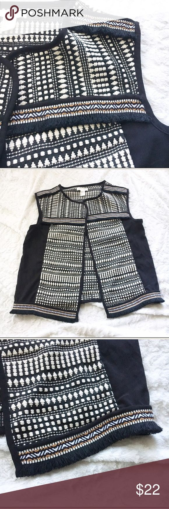 """H&M Tribal Print Vest Doesn't have any wear. Missing the belt to it. Chest 19"""" Length 23.5"""" 76% cotton 24% polyester. H&M Jackets & Coats Vests"""