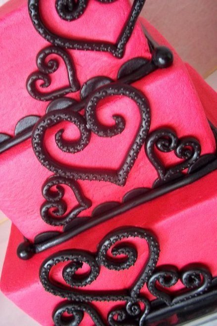 The 25+ best Black heart wedding cakes ideas on Pinterest | Black ...