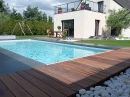 terrasse en bois pour piscine