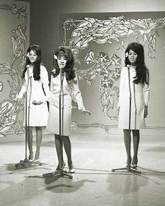 The Ronettes: Nedra Talley, Veronica and Estelle Bennett