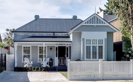 Love colours. Dark roof. Grey boards. White trim