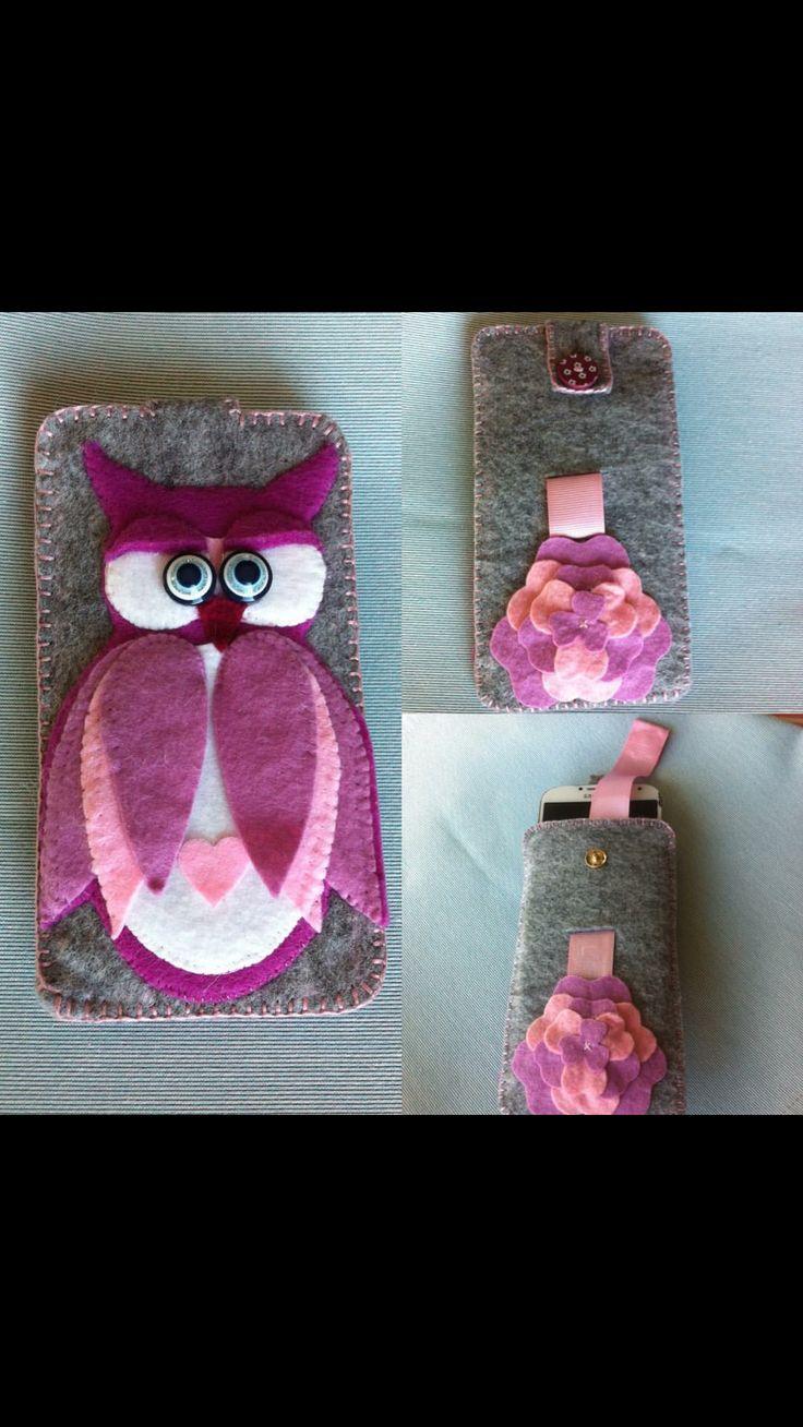 Phonecase with felt owl