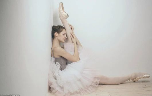 Relaxing #Ballerina, just before the #exams! #Πουεντ