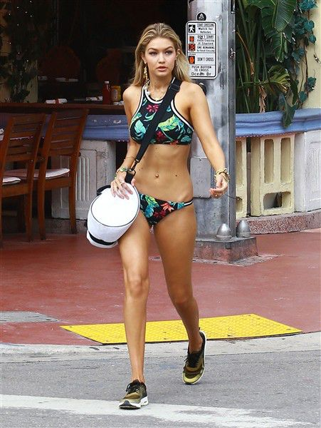 Gigi Hadid shows off her toned body during a photo shoot on the streets of Miami, Fla., on April 24, 2015.