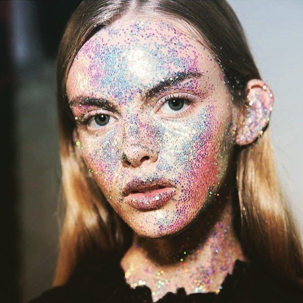 Glitter bombing inspired although how I look every time I use glitter eyeshadow  #mua #beauty #inspo #fashion #trending #glitter #makeup #closeup #pastels #mac #toofaced #marcjacobs #dior #lipgloss #diormakeup