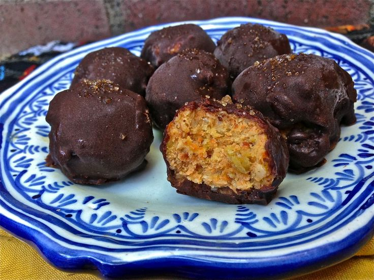 AMAZING Raw vegan carrot cake truffles, made with nothing but healthy whole foods!