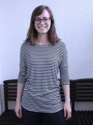 Schwarz-weiß gestreiftes Shirt aus Rippen-Strick (Jersey ähnlich)