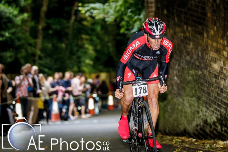 struggling on my #ROWA SLOne #Bicicletta @ 2012 Urban Hill Climb