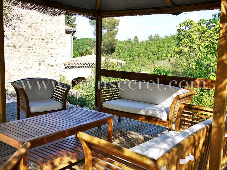 Ferienhaus mit Pool – Banne – Ardèche | Coins Secrets
