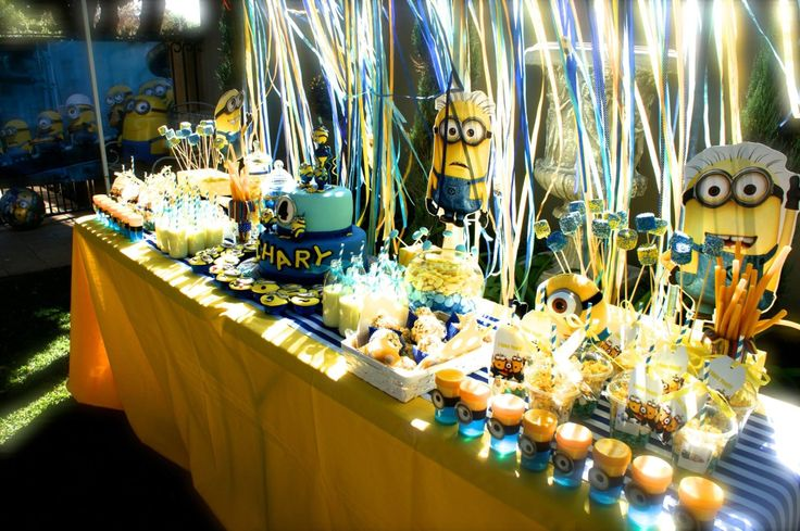 Candy Table/ Minions