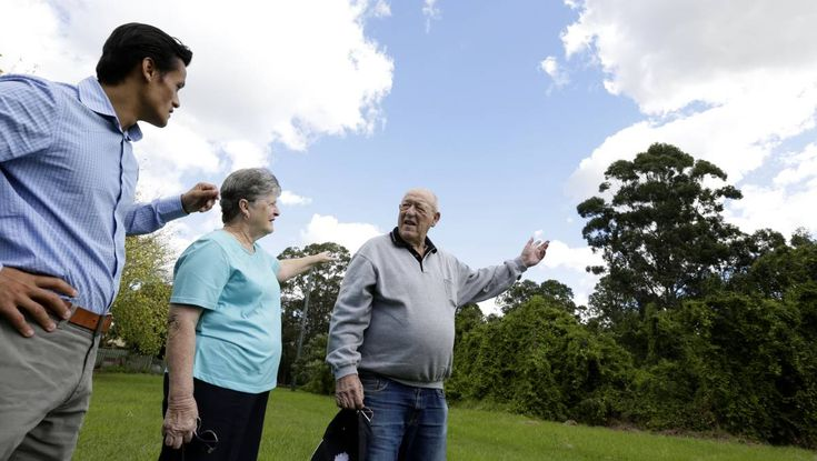 newspaper article: Future of Macquarie Fields flying fox colony to be considered
