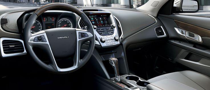 GMC Terrain interiores. Motor de 3.6L V6, 301 caballos de fuerza y 272 libras pie de torque te ofrece el mejor desempeño y potencia para que disfrutes de una experiencia de manejo única.