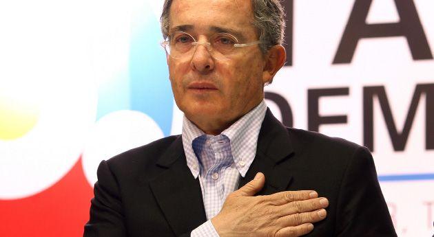 ¿Qué hacer con Uribe?