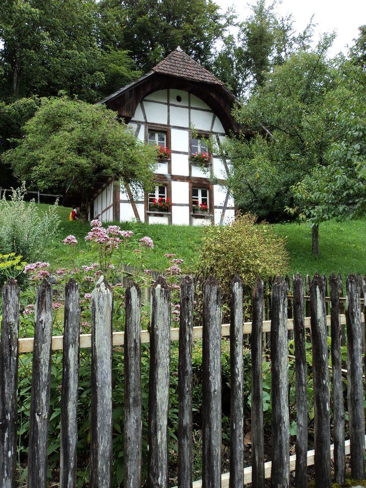 Ballenberg switzerland chalets maisons en pierres et for Pinterest maison de campagne