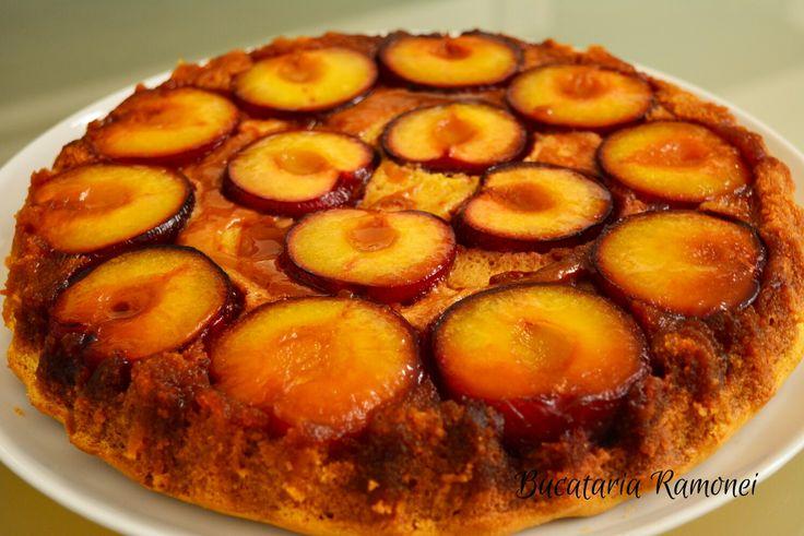 Prajitura rasturnata cu prune este un delicios si aromat desert pe care il puteti pregati ori de cate ori aveti la dispozitie prune foarte coapte.  Gasesti reteta aici: http://bucatariaramonei.com/recipe-items/prajitura-rasturnata-cu-prune/ Daca ti-a placut reteta, da-i un Pin!