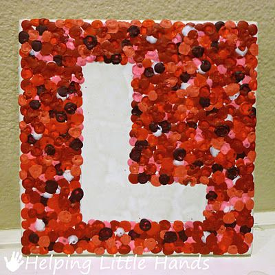 Making these tomorrow night!  Cute!  Melted crayon art! Great use for all those misc crayons around here.
