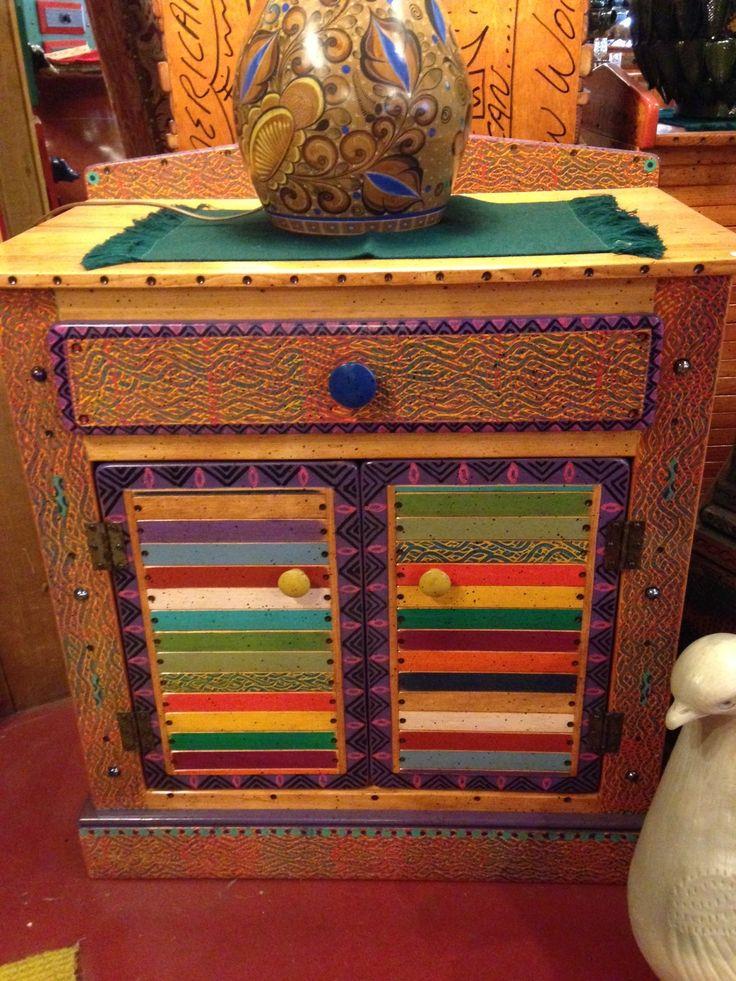 Fun And Happy Basura Stick Washstand In Colors.