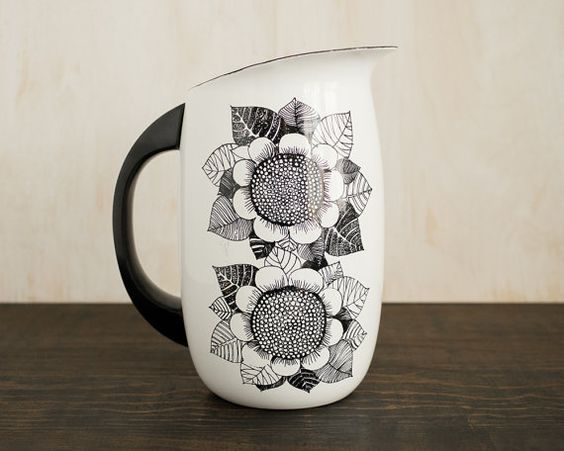 Black and white sunflowers - Kaj Frank - Finnish Design - Finel arabia enamel milk jug