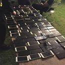 Find my iPhone ayuda a pillar a un ladrón en Coachella con 100 teléfonos en su mochila  Parece que alguien asistió al Coachella para llevarse algo más que un buen chute de música. El departamento de policía de Indio ha detenido a una persona de 36 años por robar más de 100 teléfonos durante...