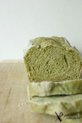 Gente, pão com spirulina...!!!! (Spirulina Bread)