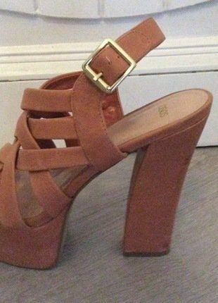 Kupuj mé předměty na #vinted http://www.vinted.cz/damske-boty/vysoke-podpatky/14181909-reminkove-kozene-boty-na-podpatku