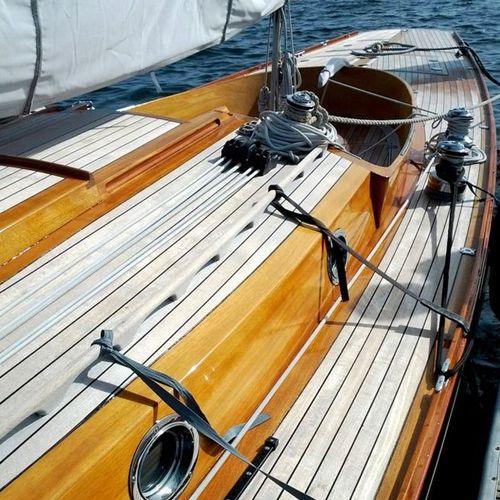 Tarima de madera en la cubierta de un barco decoracion - Tarimas de madera para exteriores ...