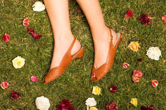 Roni Kantor Vintage inspired - PESYA kitten heel sandals - caramel