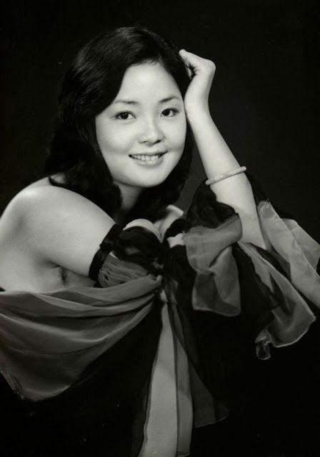 Teresa Teng young | vintage everyday: Teresa Teng, the Iconic Asian Singer – Stunning ...