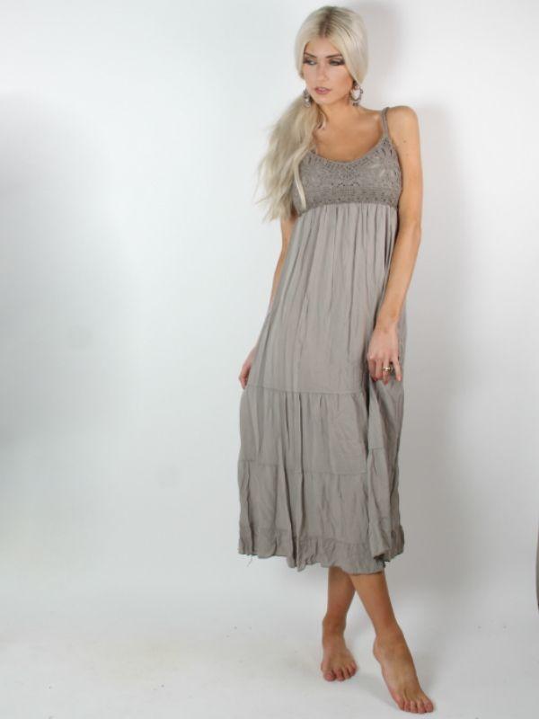 Gerardo - Mudfarvet lang boheme kjole med unikke detaljer i form af hæklet front