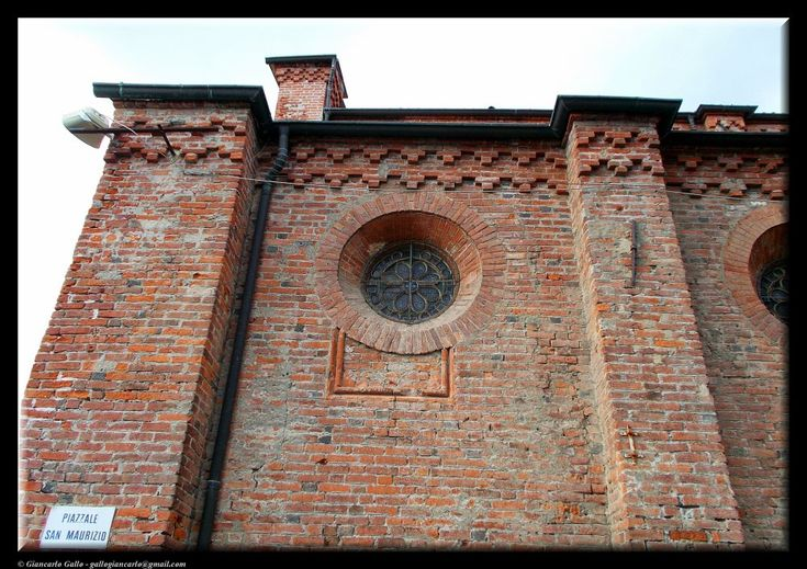 Round window by Giancarlo Gallo