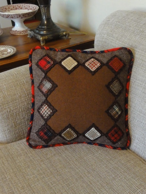 Salmagundi: A NEW WOOL PROJECT - pillow
