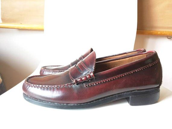 ca3c9a80f37 Bass Weejuns penny loafer original shoes men s 9D slip-ons classic 80 s  cordovan nice authentic