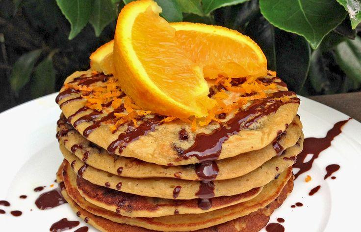 Geef eens een creatieve draai aan de traditionele pannenkoek en probeer deze Sinaasappel Chocolade Pannenkoeken recept!