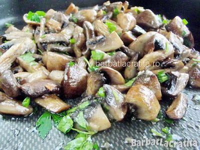 Ciuperci la cuptor cu usturoi