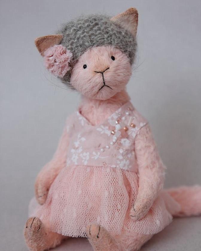 Красотка Rosalie #handmade #toys #livemaster #madeinrussia #cat #krivitskayatatiana #teddycat #kitty #stuffedanimal #artistteddy #artdoll #arttoy