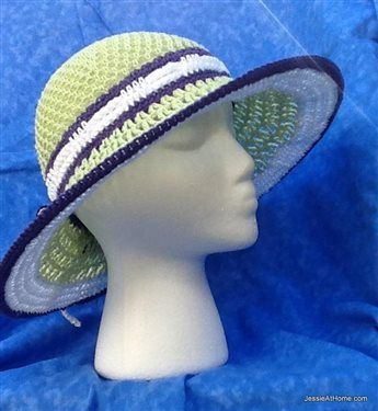 This crochet sunhat is fun and a great way to keep the sun off your face. Star Sun Hat - Media - Crochet Me