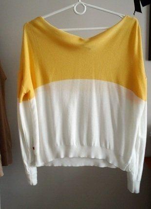 #sweterek #basic #luźny #oversize #modny #minimalizm  #vintedpl http://www.vinted.pl/damska-odziez/swetry-z-dekoltem/15207129-luzny-sweterek-cienki-oversize-bialy-zolty