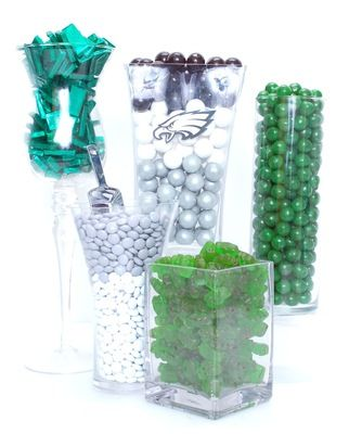 This is what every sweet toothed Eagles fan needs.... Philadelphia Eagles Candy Buffet Kit