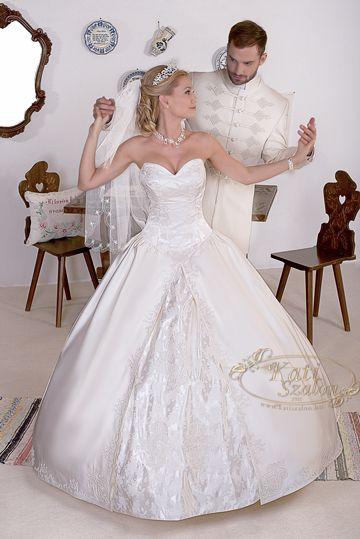 2c6f9b0b16 Kollekció - Kati Szalon | esküvői ruhák ekkor: 2019 | Wedding ...