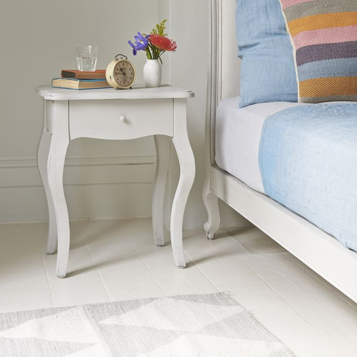 MIMI BEDSIDE TABLE IN SCUFFED GREY This elegant number has been so popular in weathered oak, we decided to give it a lick of our lovely scuffed grey paint. The result is, well, see for yourself!