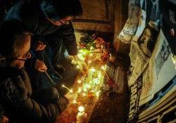 Personalități timișorene au adus un omagiu victimelor atentatelor din Franța FOTO-VIDEO